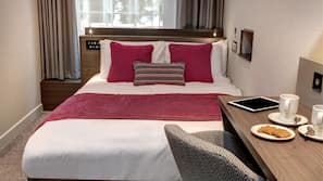 1 bedroom, premium bedding, pillow-top beds, in-room safe