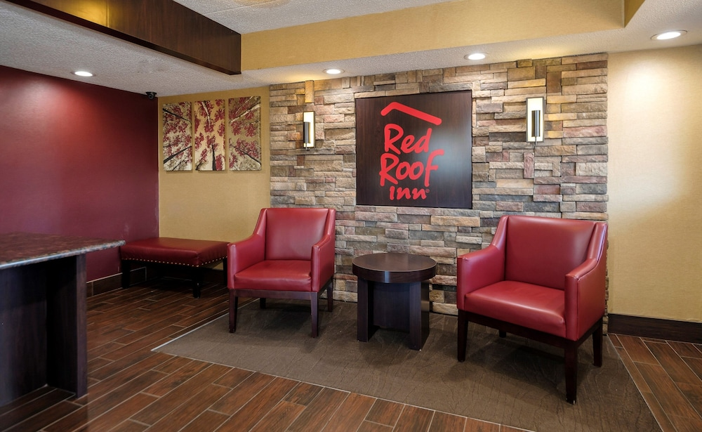 Lobby, Red Roof Inn Lansing East – MSU