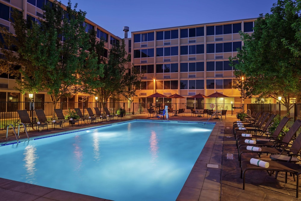 Pool, DoubleTree by Hilton Hotel Denver - Stapleton North