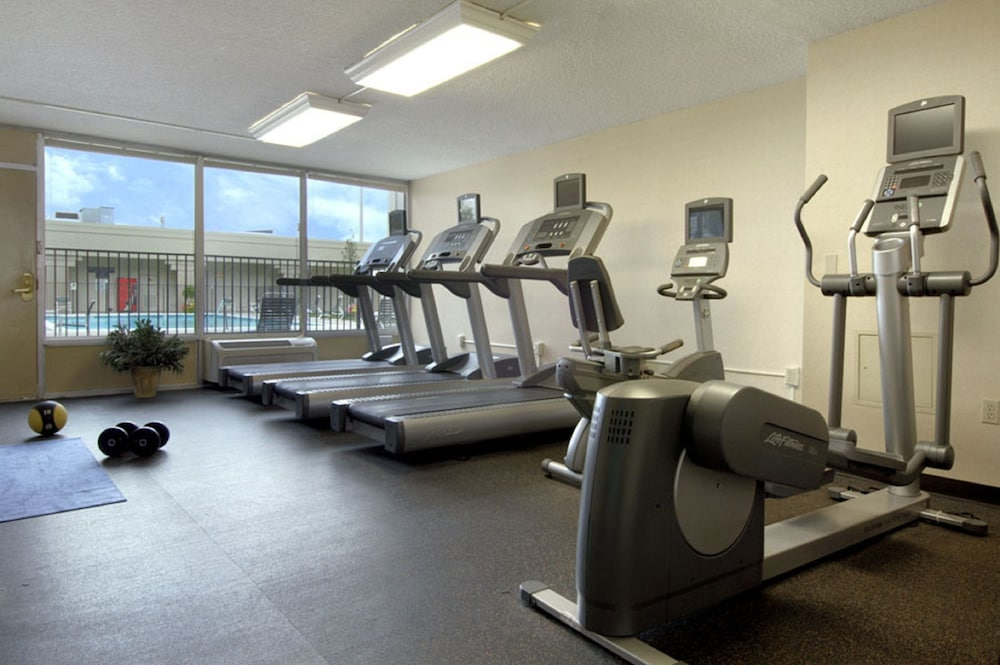 Fitness Facility, DoubleTree by Hilton Hotel Denver - Stapleton North