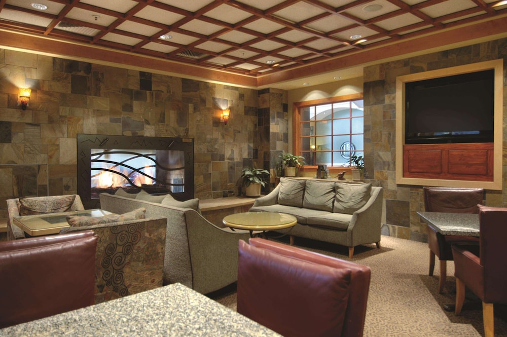 Bar, DoubleTree by Hilton Hotel Denver - Stapleton North