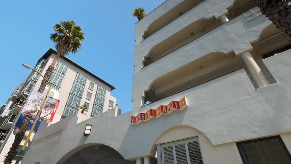 Front of Property, Americania Hotel