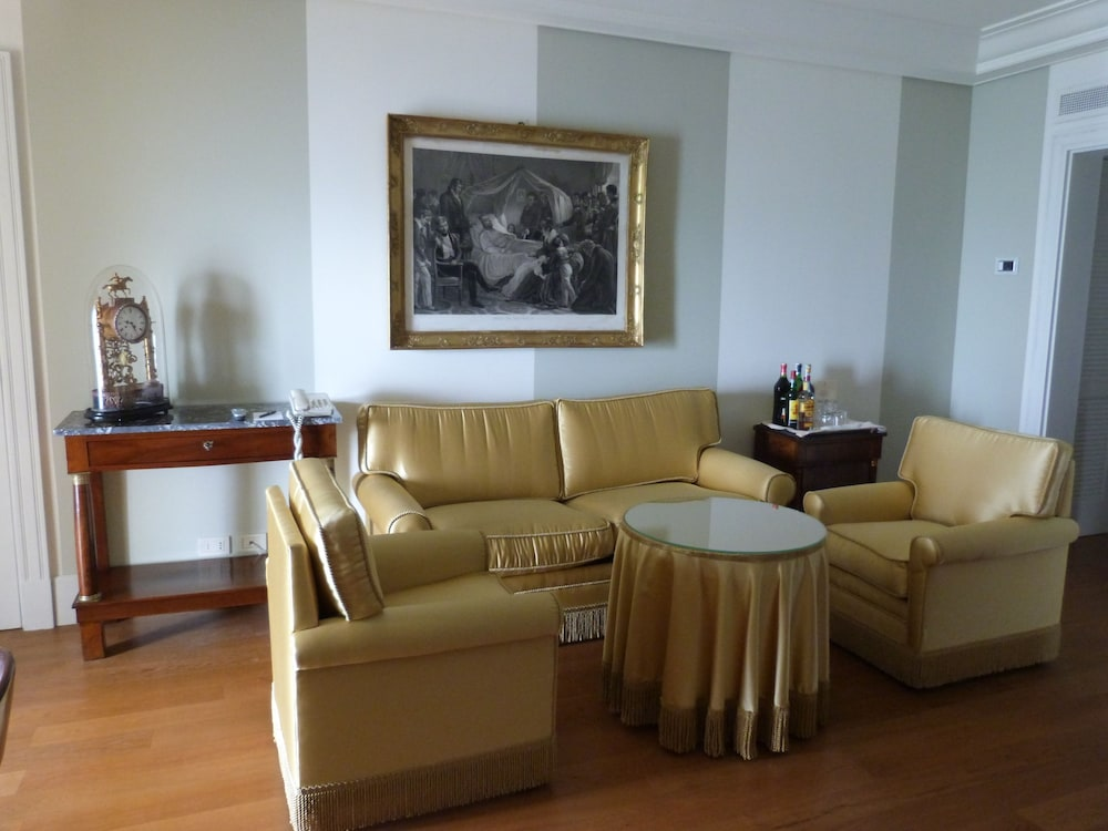 Living Area, Excelsior Palace Hotel