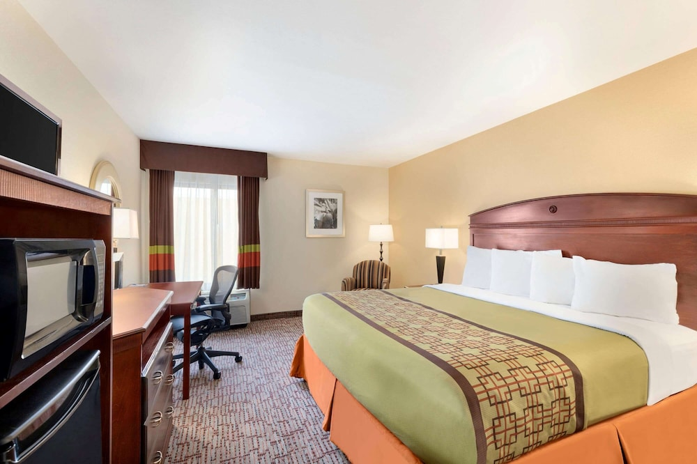 Room, Baymont by Wyndham Augusta West