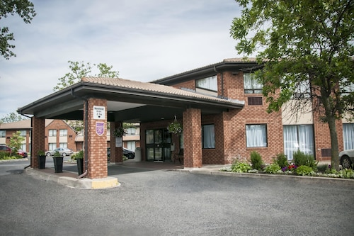 Check Expedia for Availability of Comfort Inn Brossard