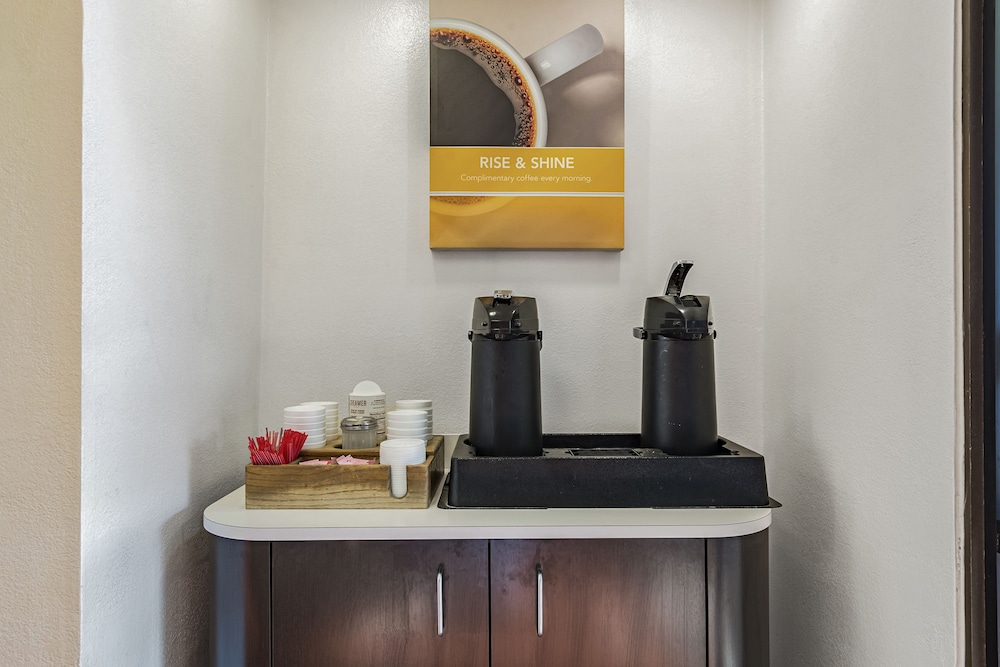 Coffee Service, Motel 6 Cincinnati, OH - Central - Norwood