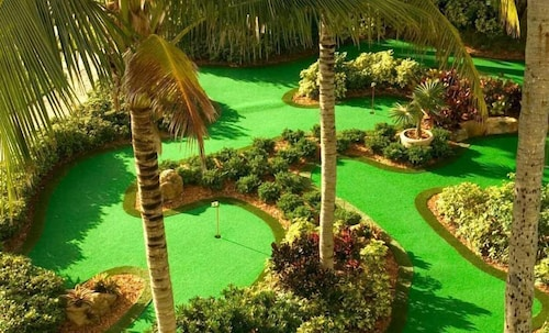 Mini-Golf, Lago Mar Beach Resort & Club