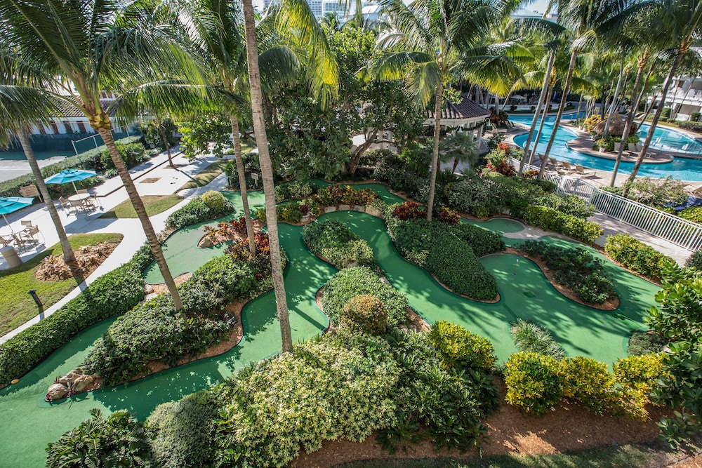 Property Grounds, Lago Mar Beach Resort & Club