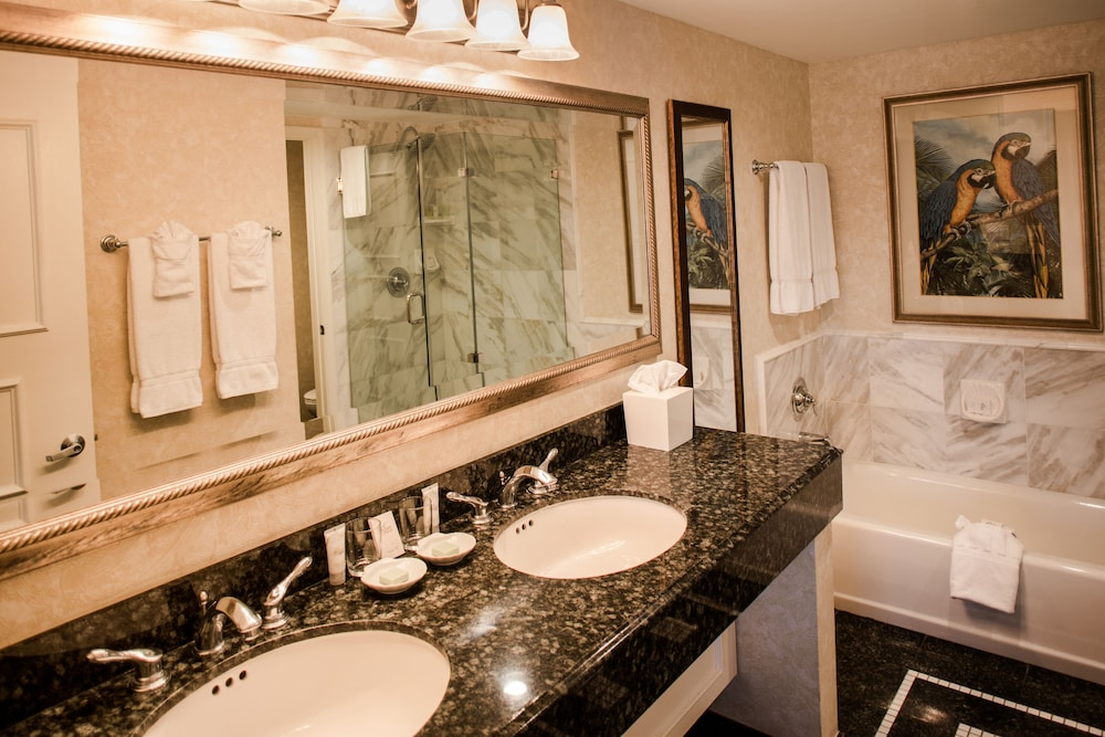 Bathroom, Lago Mar Beach Resort & Club