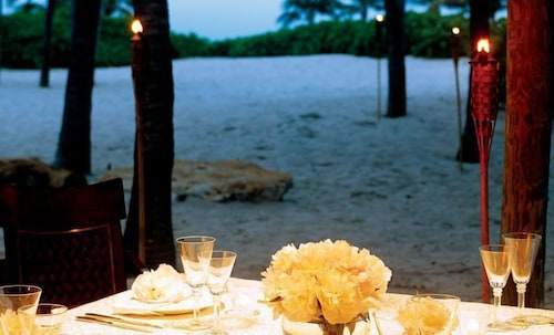 Outdoor Dining, Lago Mar Beach Resort & Club