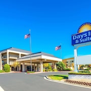 Days Inn and Suites Albuquerque North