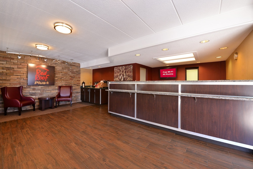 Lobby, Red Roof Inn PLUS+ Secaucus - Meadowlands - NYC