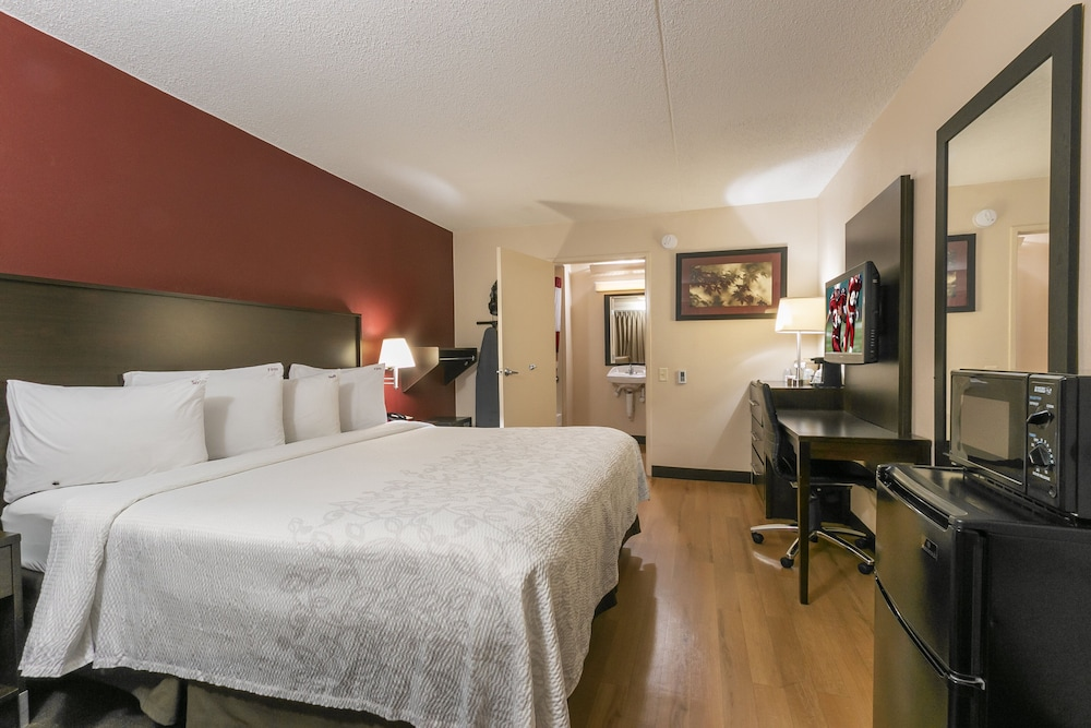 Room, Red Roof Inn PLUS+ Secaucus - Meadowlands - NYC
