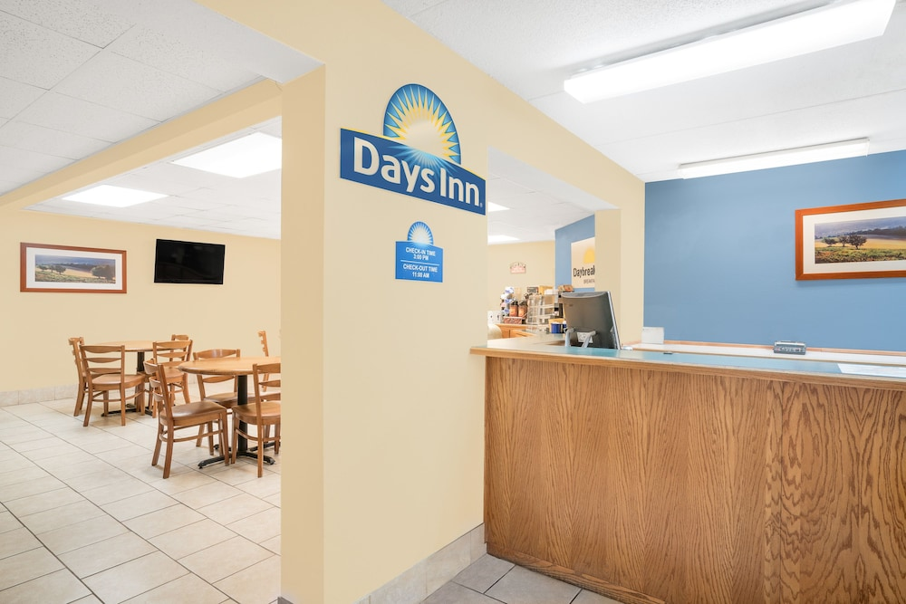 Days Inn By Wyndham Alexandria Mn In Hotel Rates Reviews On Orbitz