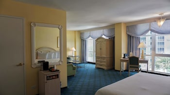 Junior Suite, 2 Double Beds - Guestroom