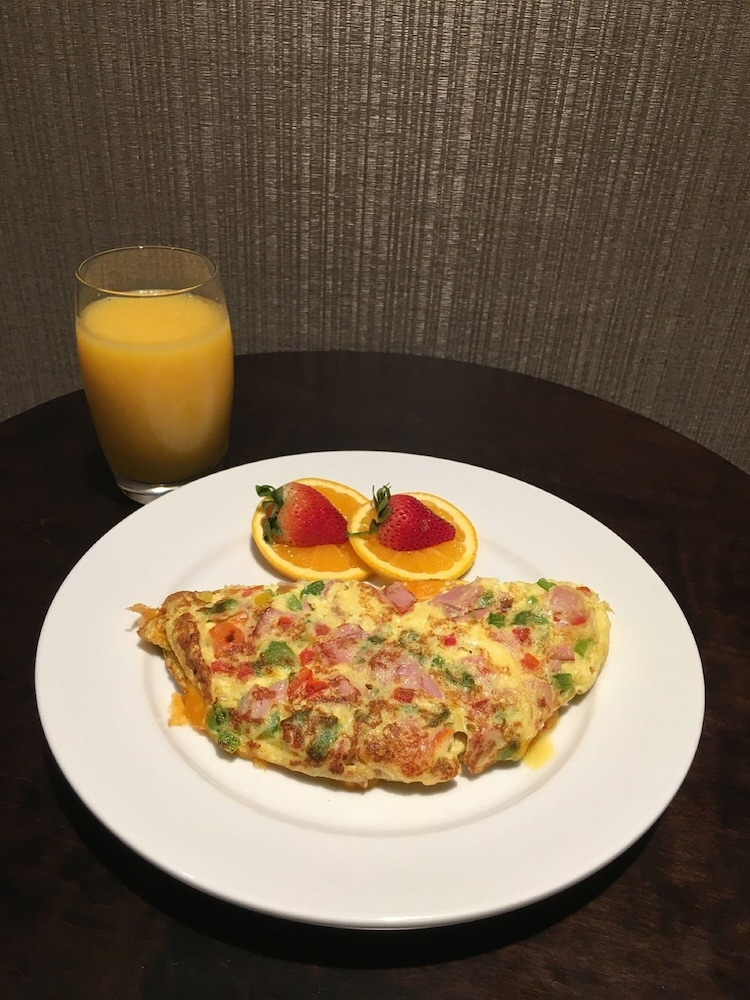 Breakfast Meal, DoubleTree by Hilton Hotel Decatur Riverfront