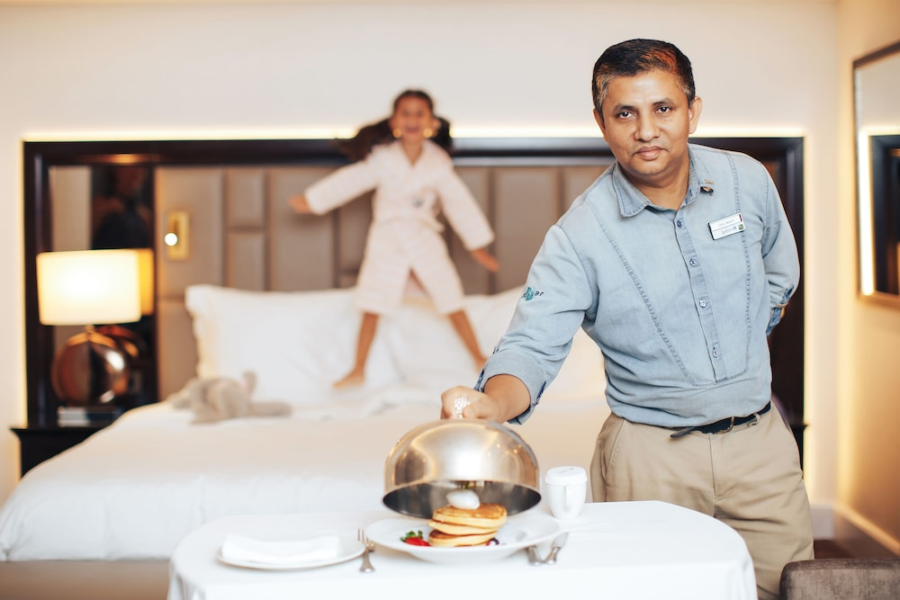 In-Room Dining, Radisson Blu Hotel, Dubai Deira Creek