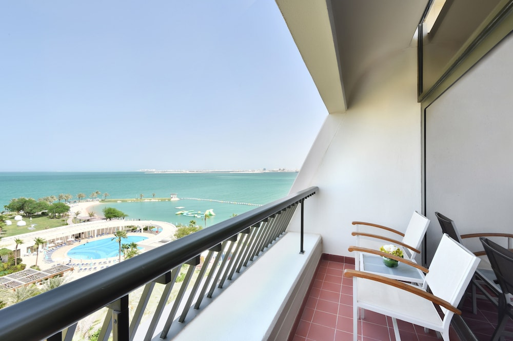 Balcony, Sheraton Grand Doha Resort & Convention Hotel