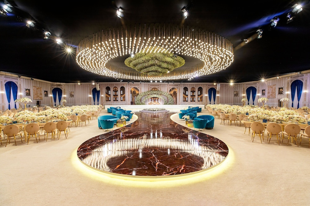 Indoor Wedding, Sheraton Grand Doha Resort & Convention Hotel