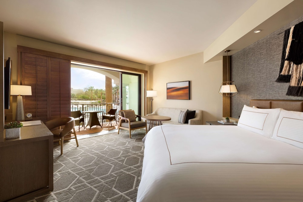 Room, Fairmont Scottsdale Princess