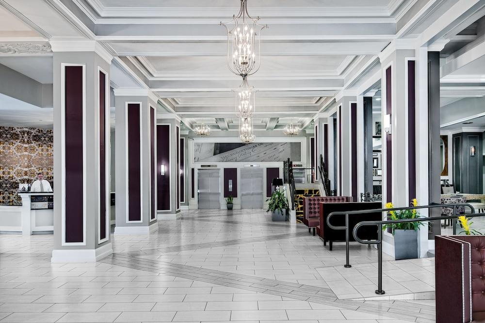 ホテル インディゴ ダラス ダウ...