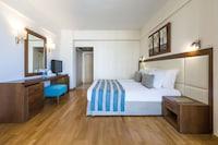 Golden Bay Beach Hotel (10 of 84)
