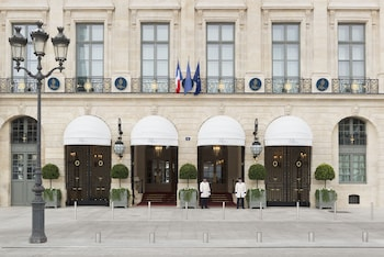 15 place Vendôme, 75001, Paris.
