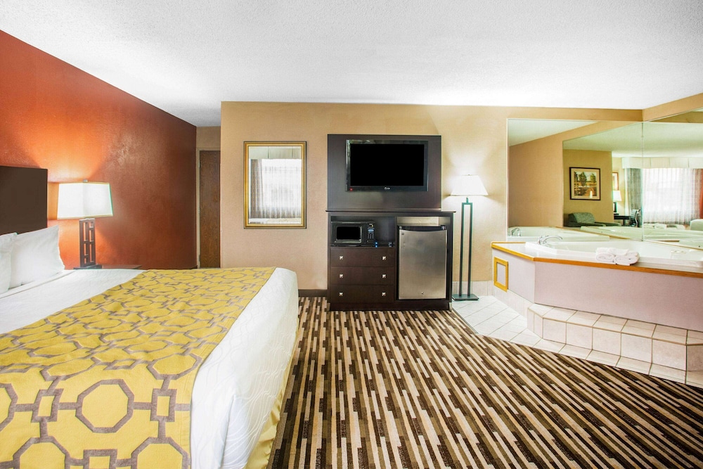 Room, Baymont by Wyndham Springfield South Hwy 65