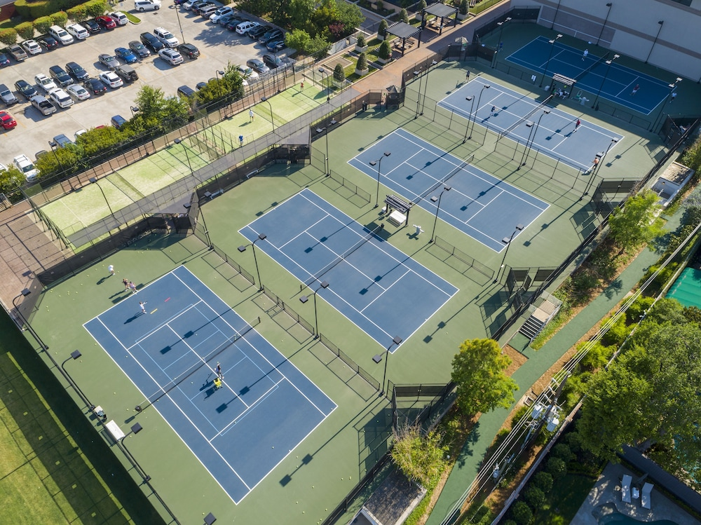 Tennis Court, The Houstonian Hotel, Club & Spa