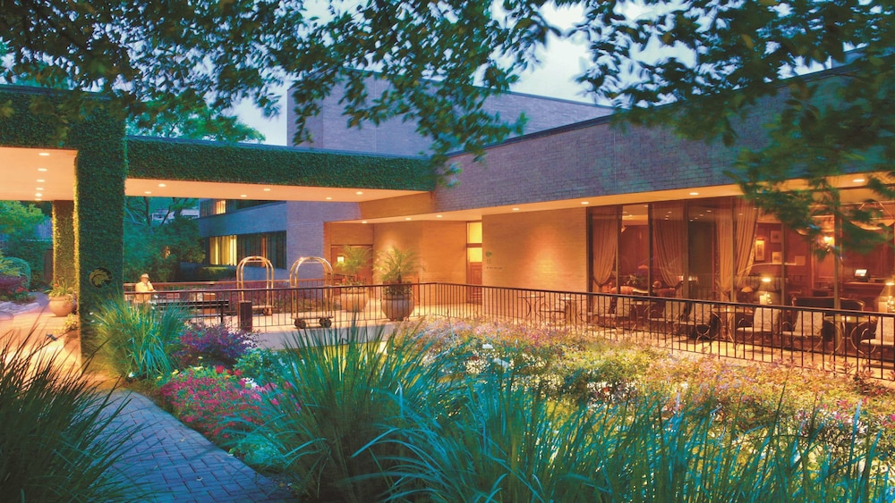Front of Property - Evening/Night, The Houstonian Hotel, Club & Spa
