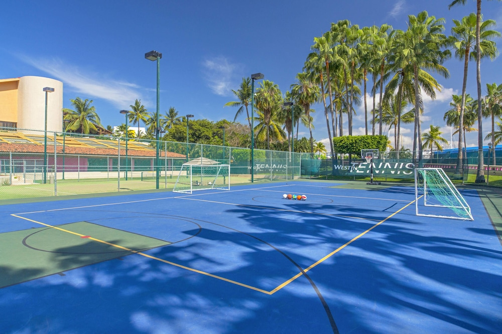 Sport Court, The Westin Resort & Spa Puerto Vallarta