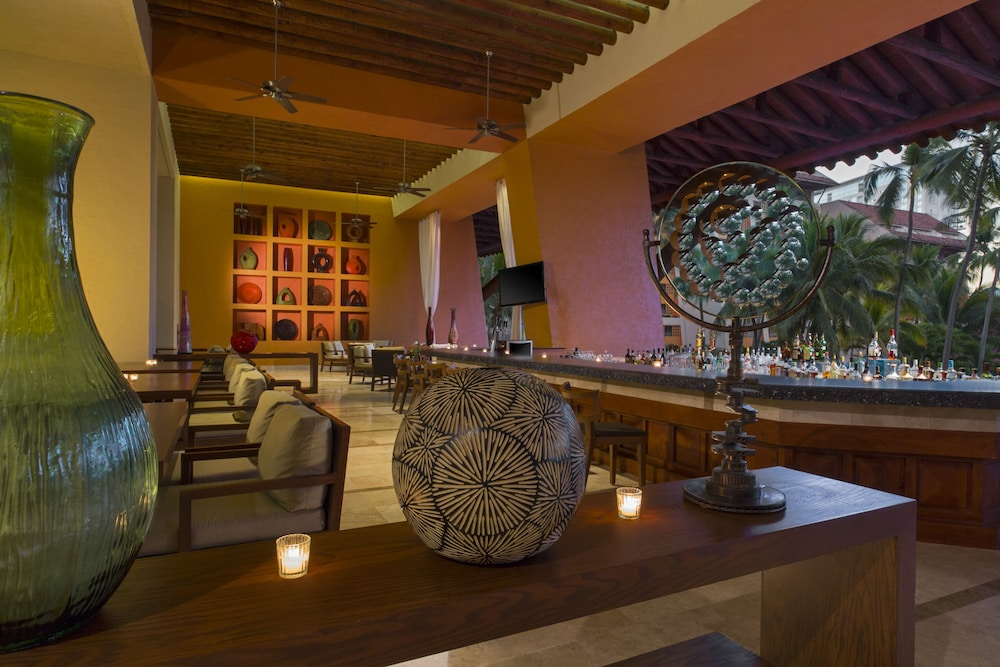 Lobby Lounge, The Westin Resort & Spa Puerto Vallarta