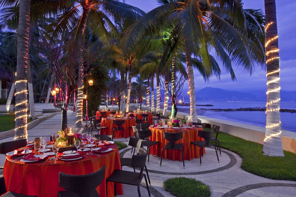 Restaurant, The Westin Resort & Spa Puerto Vallarta