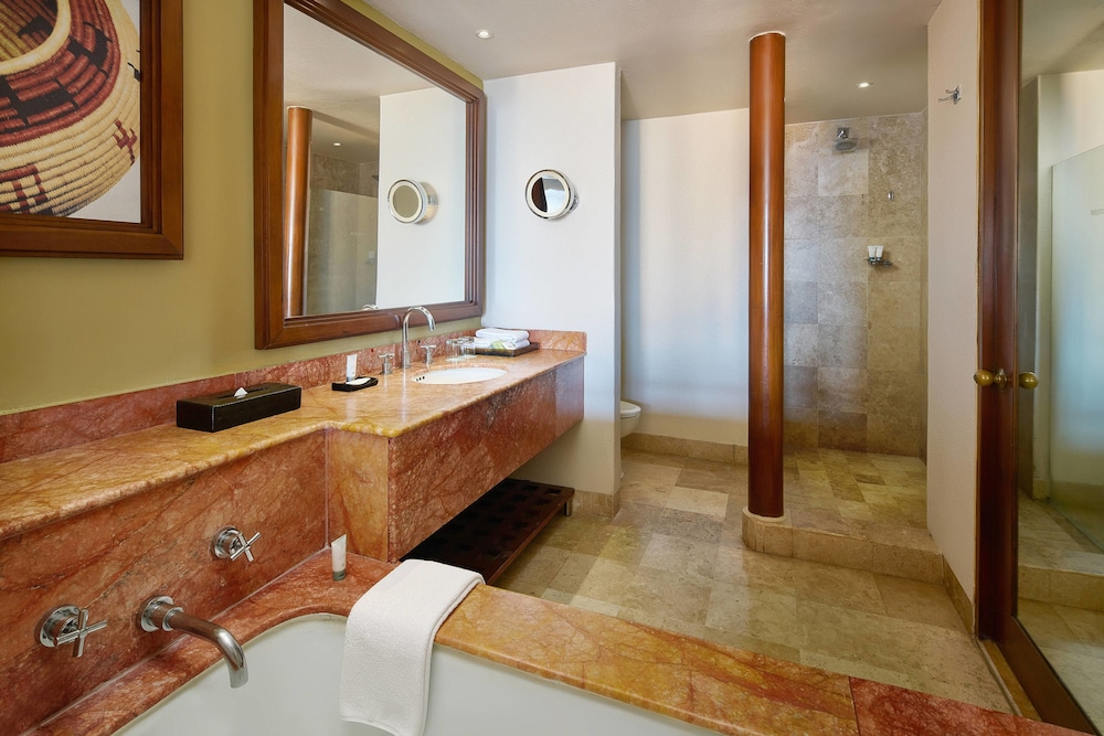 Bathroom, The Westin Resort & Spa Puerto Vallarta