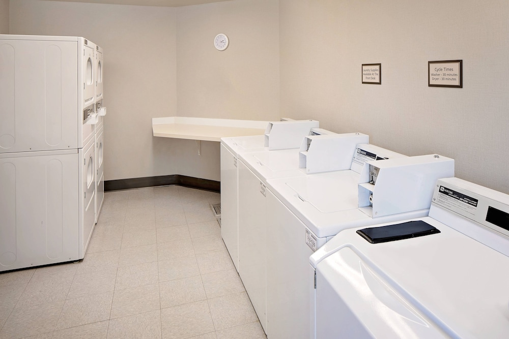 Laundry Room, Residence Inn by Marriott Denver Downtown