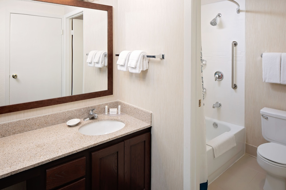 Bathroom, Residence Inn by Marriott Denver Downtown