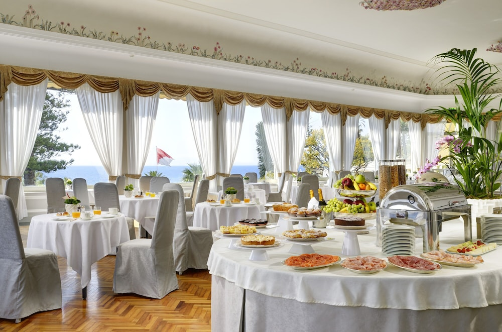Breakfast buffet, Royal Hotel San Remo