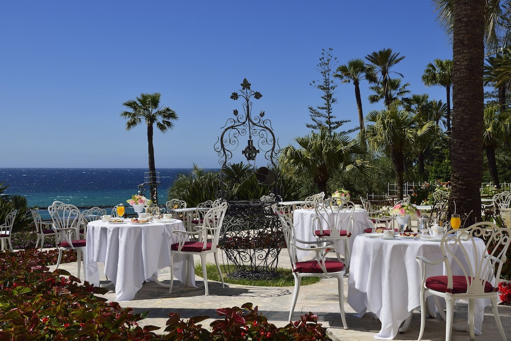 Outdoor Dining, Royal Hotel San Remo