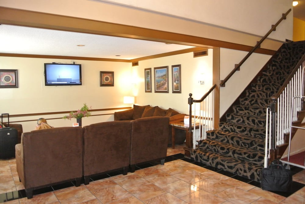 Quality Inn St Louis Airport Hotel 2 5 Out Of 0 Exterior Featured Image Lobby