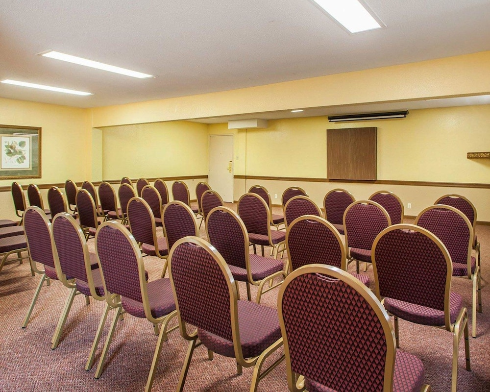 Meeting Facility, Quality Inn St. Louis Airport Hotel