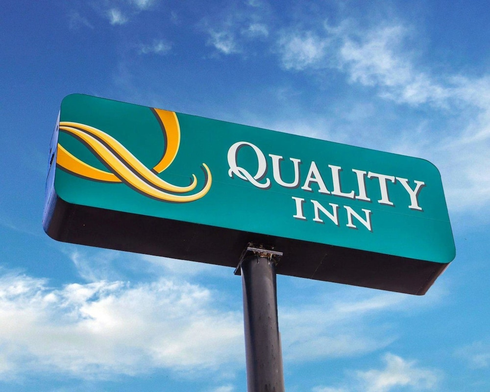 Exterior, Quality Inn St. Louis Airport Hotel