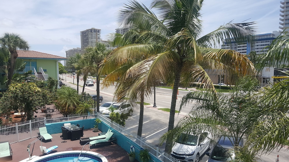 Travelodge By Wyndham Fort Lauderdale Beach 2 5 Out Of 0