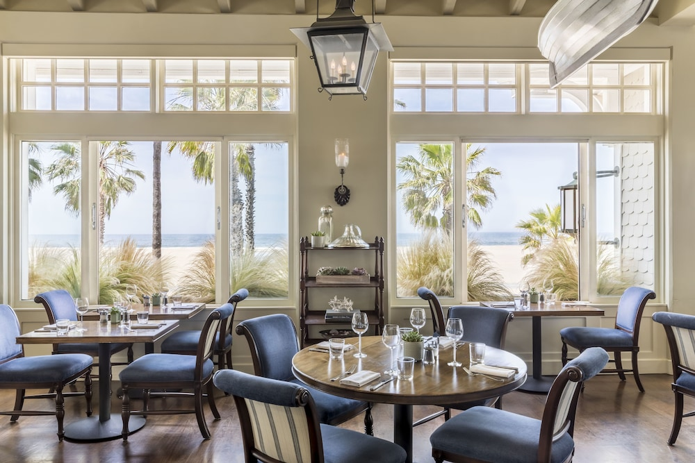 Dining, Shutters on the Beach