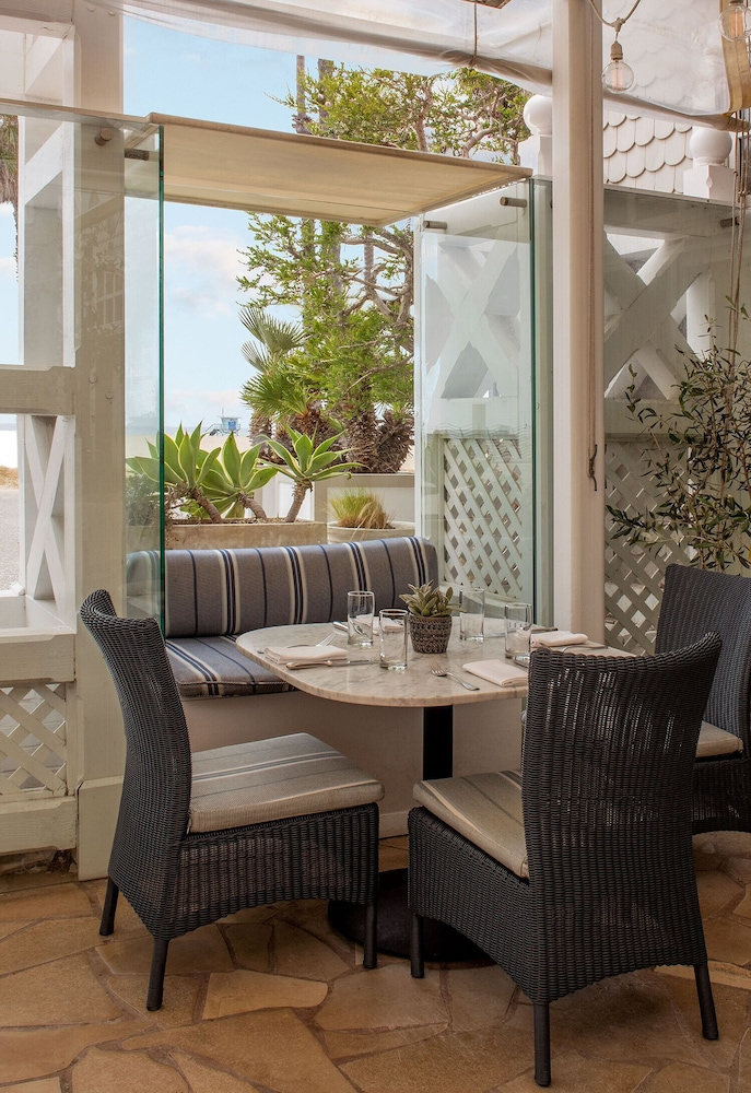 Outdoor Dining, Shutters on the Beach