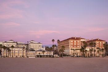 1 Pico Boulevard, Santa Monica, Los Angeles, CA 90405, United States.