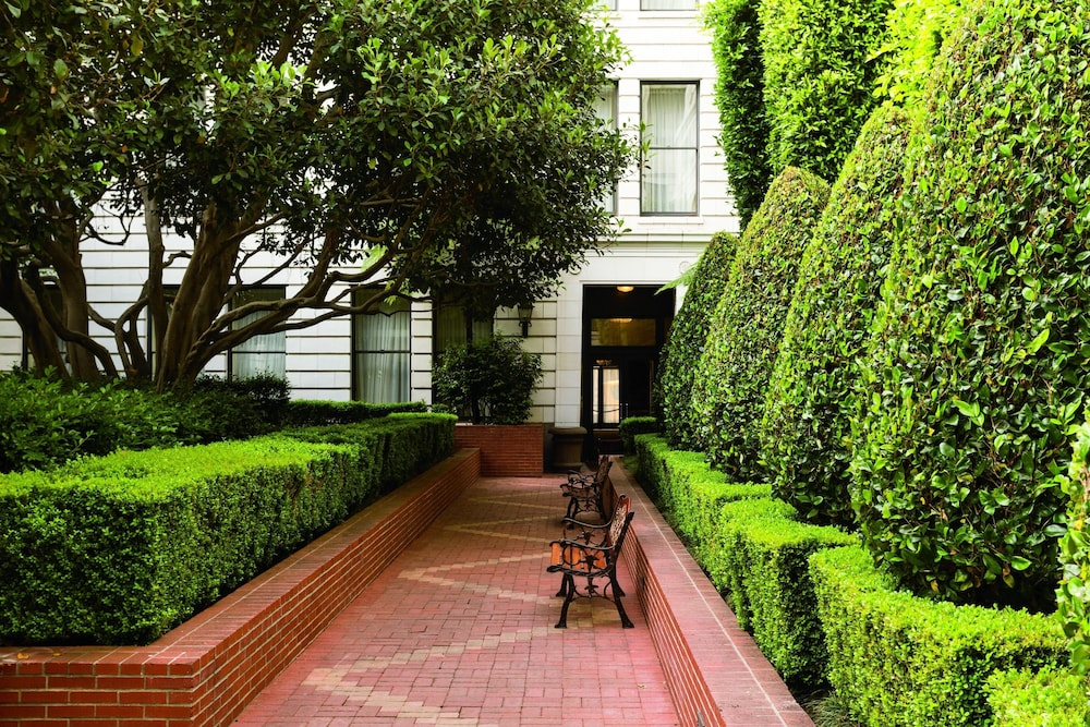 Courtyard, The Ritz-Carlton, San Francisco