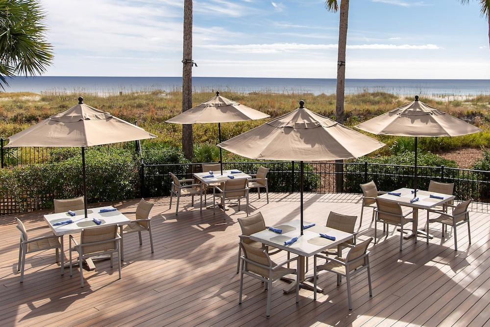 Poolside Bar, The Westin Hilton Head Island Resort & Spa