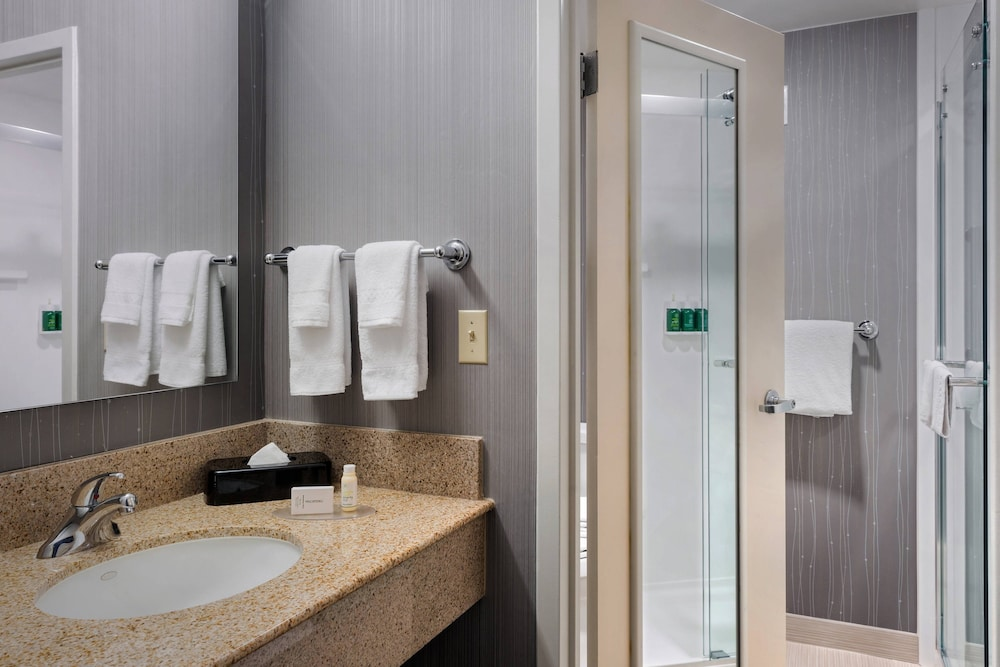 Room, Courtyard by Marriott Philadelphia Willow Grove