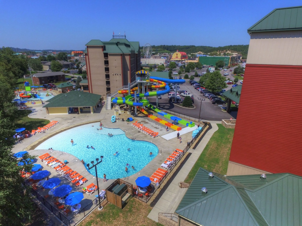 Property Grounds, Country Cascades Waterpark Resort