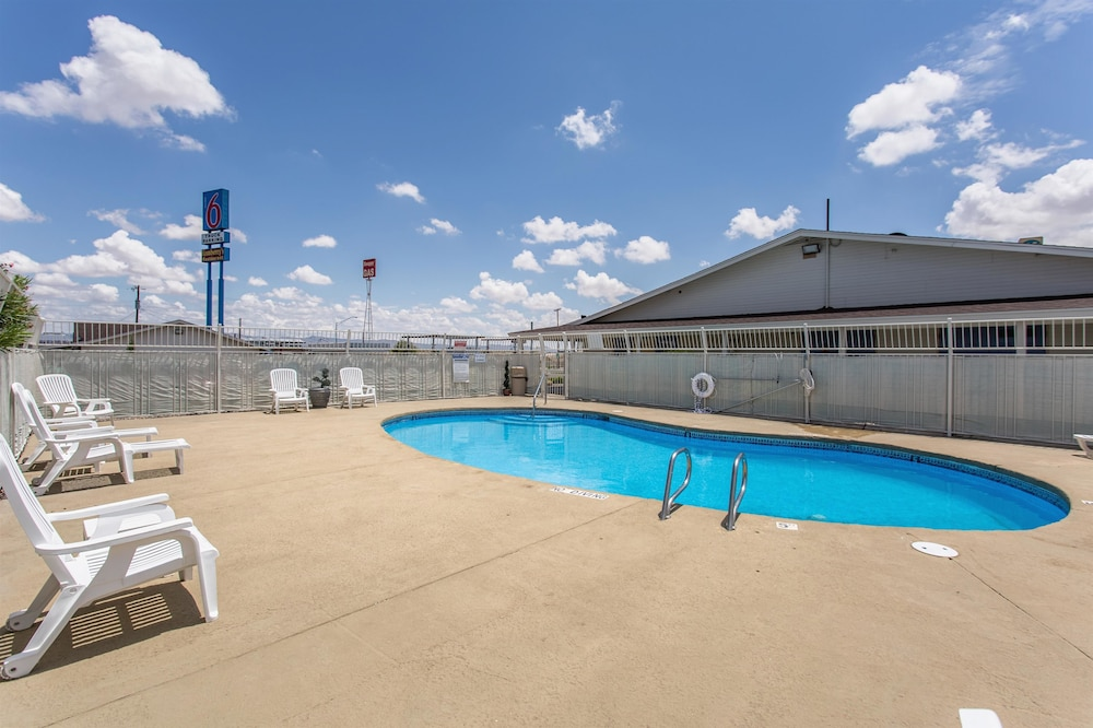 Pool, Motel 6 Lordsburg, NM